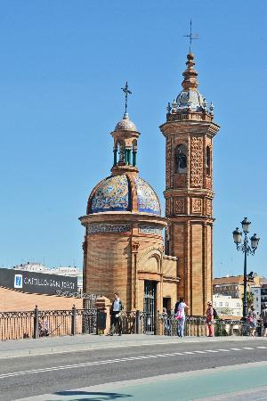 Castillo De San Jorge Entrance Picture Of Museo Del Castillo De