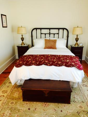 The Coffey House Bed & Breakfast: Traditional Room