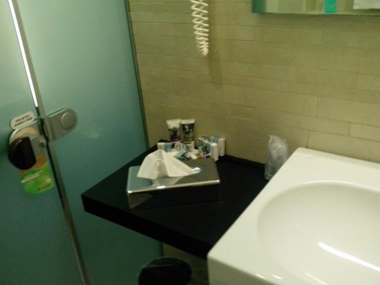 https://media-cdn.tripadvisor.com/media/photo-s/08/0e/2d/88/hotel-mercure-siracusa.jpg