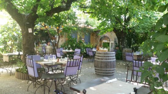 La Table du Meunier: Cadre idyllique