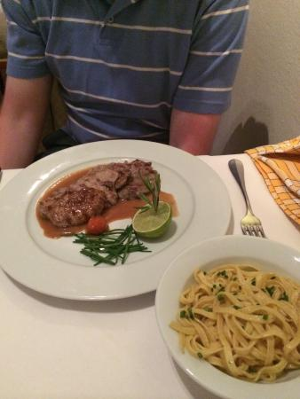 Kreis 6: Great discovery outside Zurich old town. Excellent service and down-to-earth dishes!