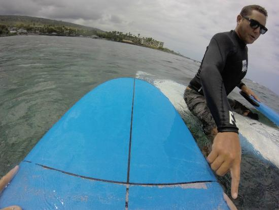 Kona Surf Company: Instructor Austin was constantly giving tips on how to catch the wave