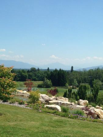 Jiva Hill Resort : golf course premises