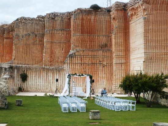 Matrimonio Spiaggia Favignana : Matrimonio in giadino foto di cave bianche hotel isola di