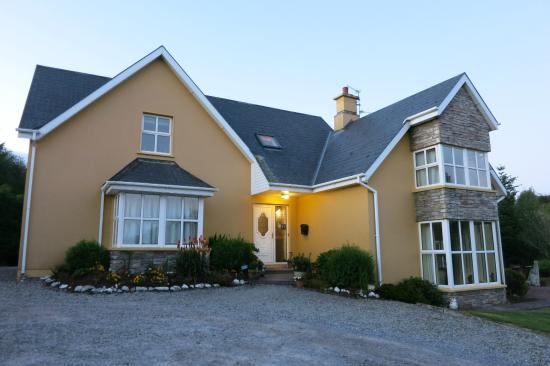 2 Mile Lodge: Beautiful country house not far from town