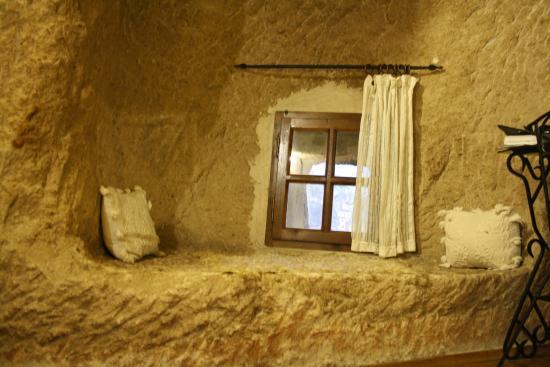 Kelebek Special Cave Hotel: Chimney room