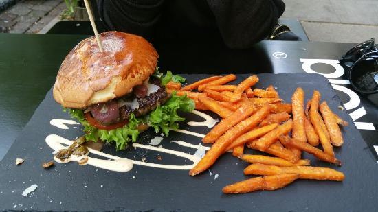 Dulf 39 s burger bild von dulf 39 s burger hamburg tripadvisor for Ottos burger hamburg
