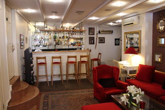 Celal Sultan Hotel: Le bar