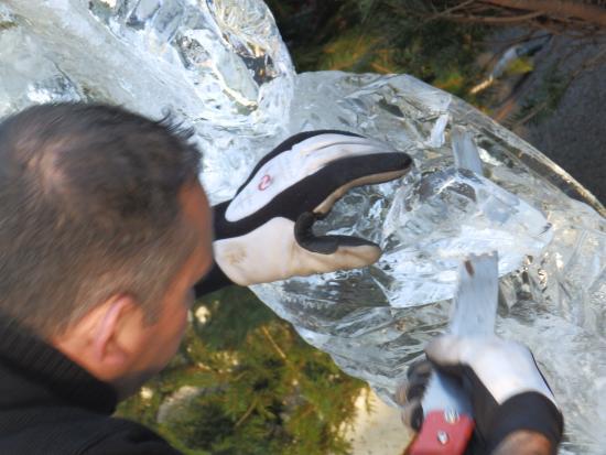 Sculpteur sur glace