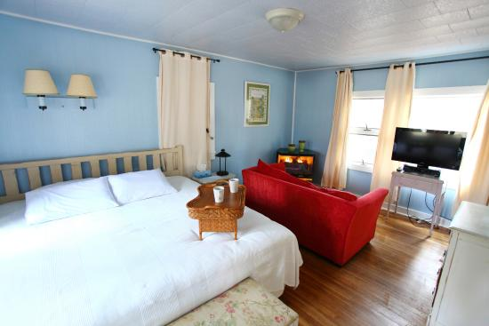 The Pines Cottages: Cottage 2