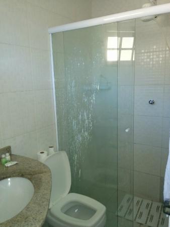 Pousada Ponte Branca: Banheiro do quarto superior