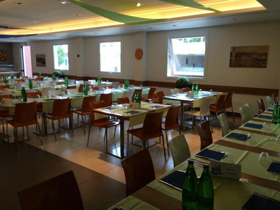 Bes Hotel Bergamo West : sala colazione/pranzo