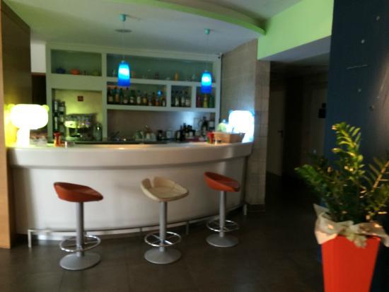 Bes Hotel Bergamo West : bar