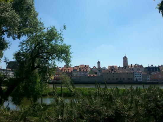 Vue de la vieille ville depuis l'Alte Linde