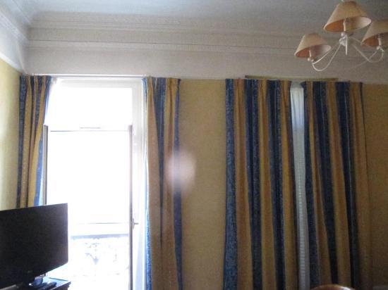 bagno senza bidet hotel royal westminster parziale vista camera