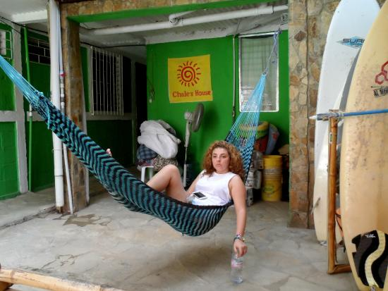 Chale's House: Common area with hammock