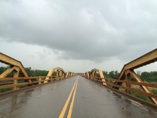 Pony Bridge: One Mile Bridge