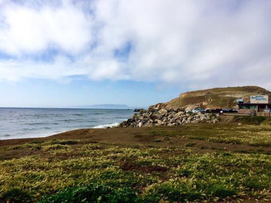 Sea Breeze Motel: Views from the walking trail.