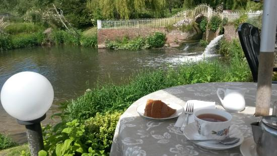 Haxted Mill : Enjoying a cuppa and a slice of cake by the river