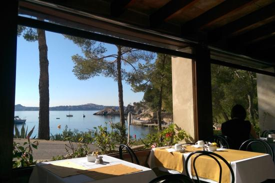 Hotel Cala Fornells: The breakfast view! Nothing else needs to be said
