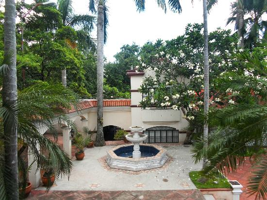 Dona Jovita Garden Resort: A garden at the resort