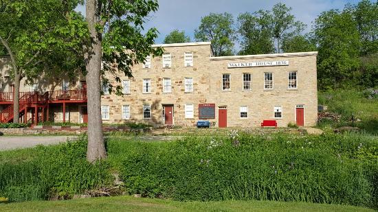 The Walker House: Walker house inn