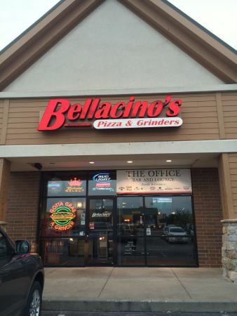 ‪Bellacinos Pizza and Grinders‬