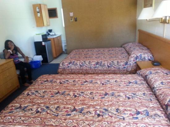 Cedar Lane Motel: hotel room
