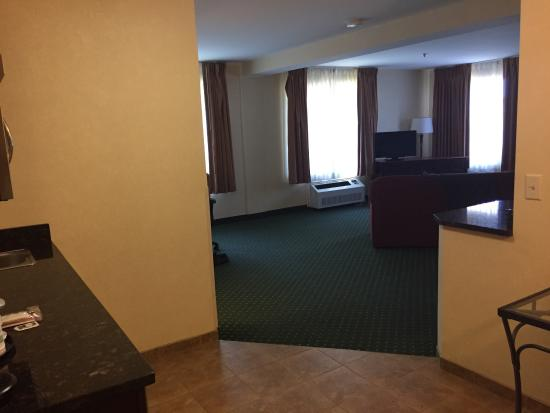 Holiday Inn Express Hotel & Suites Burlington South: photo2.jpg
