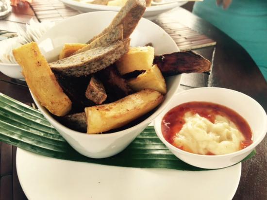 The Islander Hotel: Islander Chips