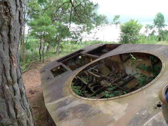 Uxo Lao: Bangkai Tank