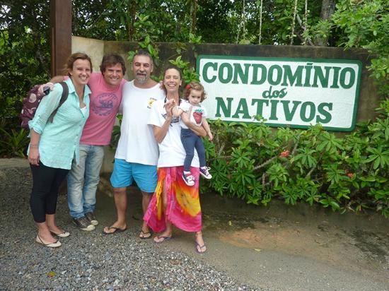 Condomínio Dos Nativos: Con Gus y Anita