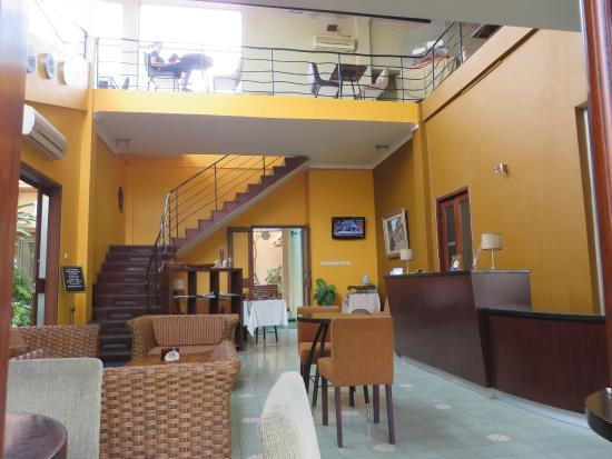Ministry of Coffee: Reception n Cafe area