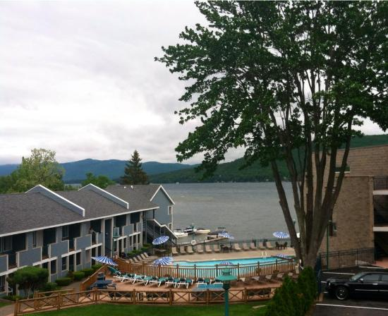 Surfside On The Lake Hotel & Suites: A cloudy day but still an awesome view