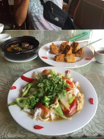 Nhat Lien: Wonderful tofu and eggplant. Noodles were ok. Coming back for dinner to order tofu like whoa.