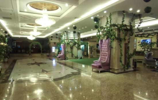 Yuhao Luoman Grand Hotel: ホテルロビー