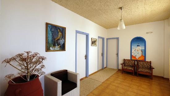 Narkissos Hotel : Zimmer