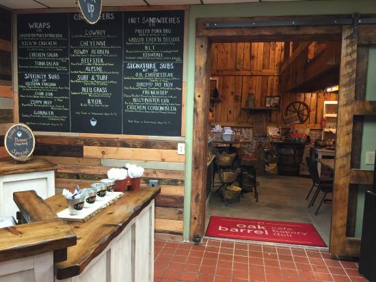 Oak Barrel: Cafe