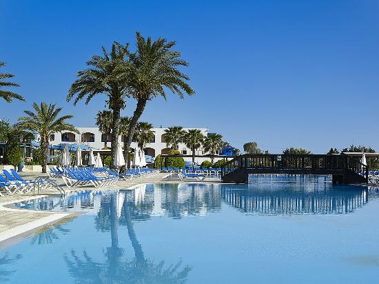 Aldemar Amilia Mare: A Blue Oasis