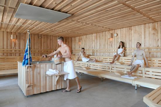Espace saunas by mondorf picture of mondorf parc hotel for Piscine mondorf