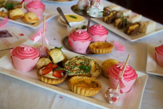 Hacklewood Hill Country House: High Tea Treats