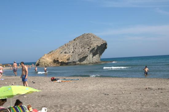 mosul rock - Bild von Monsul Beach, San Jose - TripAdvisor