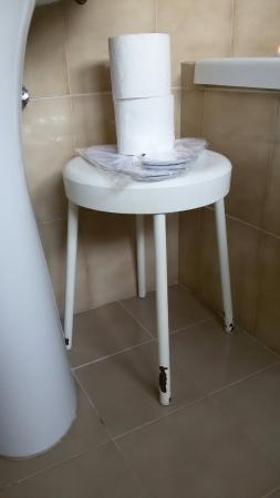 Hotel Verona: Condizioni del bagno