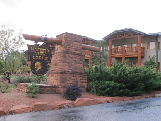 Majestic View Lodge: the entrance