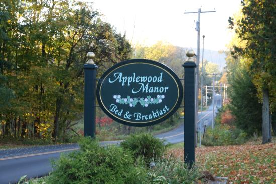 Applewood Manor Bed & Breakfast : via di accesso al B&B