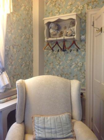 Applewood Manor Bed & Breakfast: Sarah's room