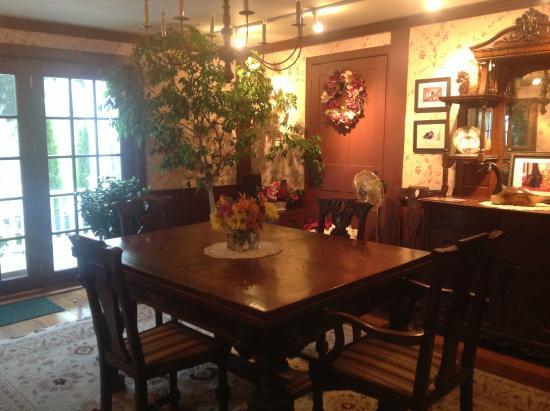 Applewood Manor Bed & Breakfast: La sala colazioni
