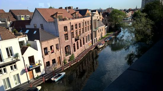 Ghent River Hotel: View from Breakfast Room
