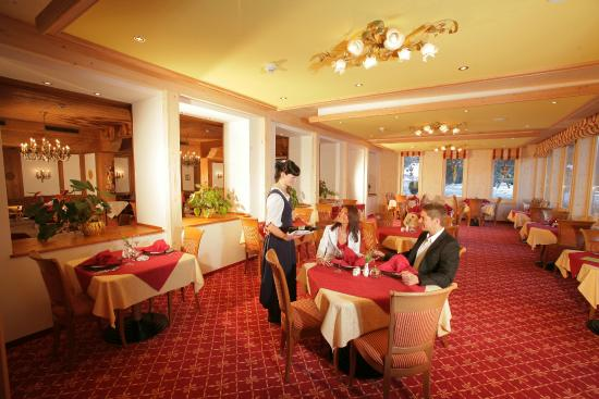 Alm- & Wellnesshotel Alpenhof: Restaurant