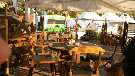 Carema Garden Village: The Marlet Grill restaurant